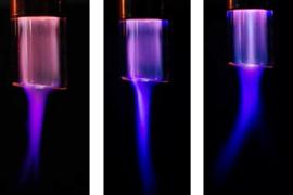 [AOP]岐阜工業高等専門学校 - 大気圧マイクロプラズマジェットの特性に及ぼす同軸二重管構造の効果