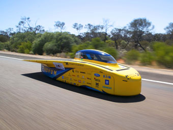 Novum: University of Michigan Participates in Solar Car Challenges Around the World