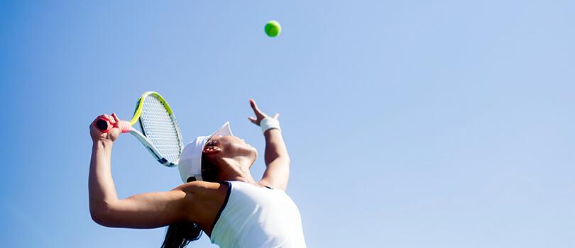 空间年龄高级材料给网球运动员一个竞争优势