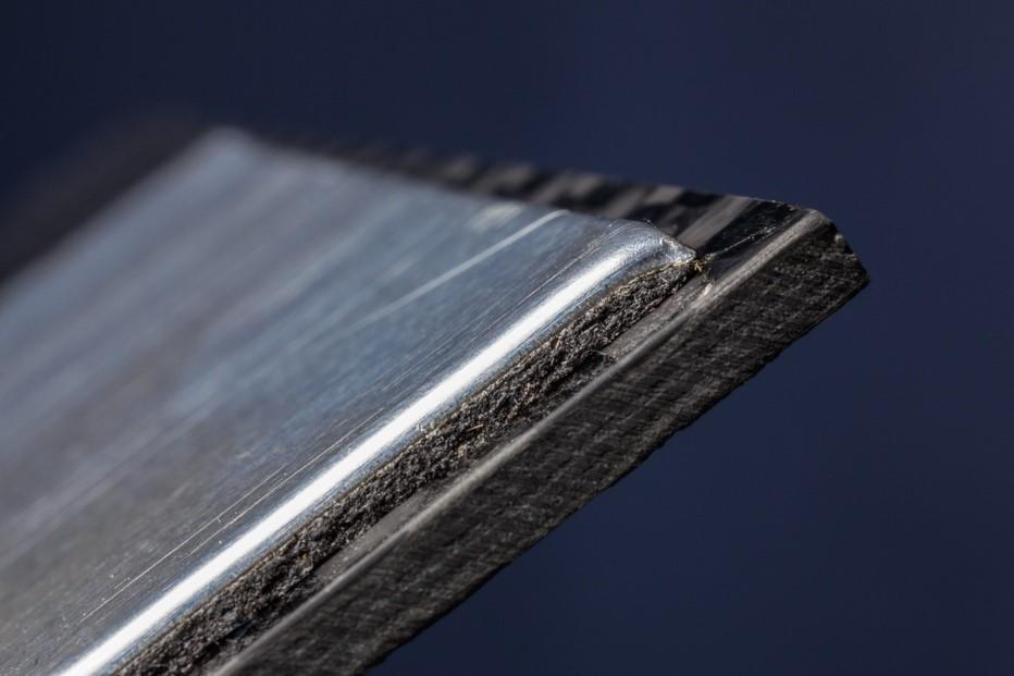 Sika Automotive社の超軽量拘束層材料システム
